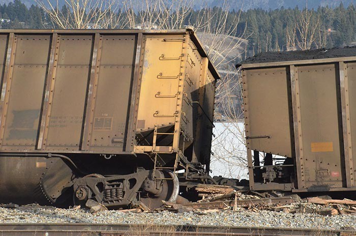 CPR train derails at north end of Lake Windermere
