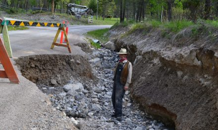 Edgewater residents battle to get crumbling road fixed