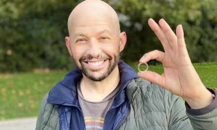 Actor Jon Cryer turns to B.C. ring-finder to search for lost wedding band