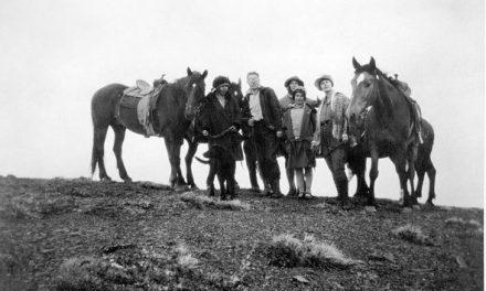 Historical Lens – Ridgetop riders