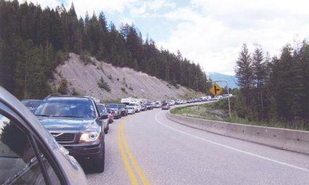 Mudslide causes gridlock