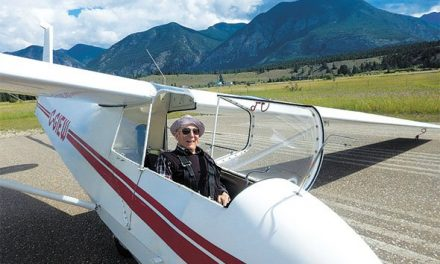 Pioneering pilot visits valley