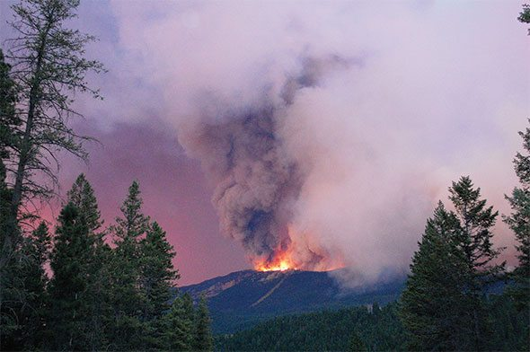 Wildfire near Canal Flats grows