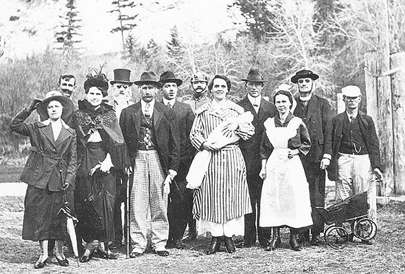 Group shot in Wilmer, 1912