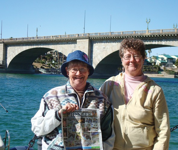 Fern Oglestone and her daughter Carol Robideau in Lake Havasu, Arizona