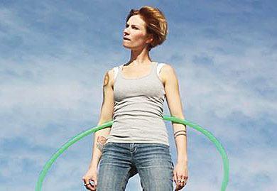 Hip tricks by hula hoop expert now online